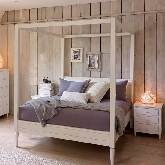 Fabulous Country Style Four Poster Beds