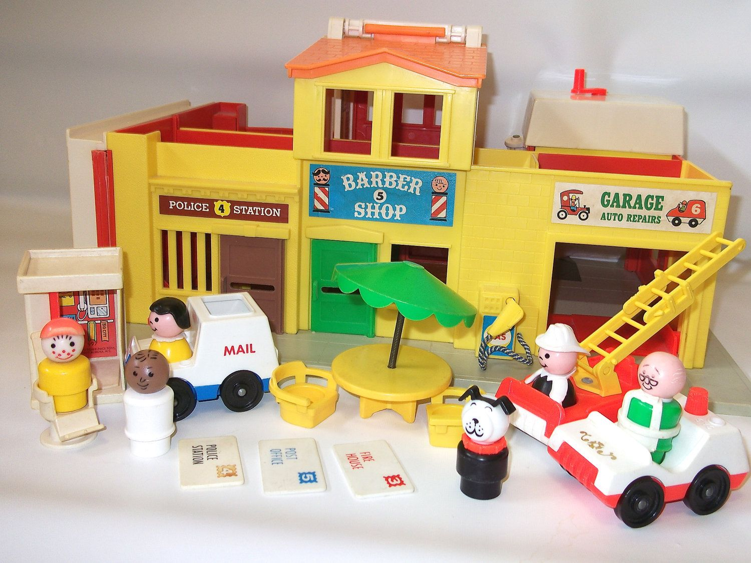 Best Little People Toys : Vintage fisher price play family village