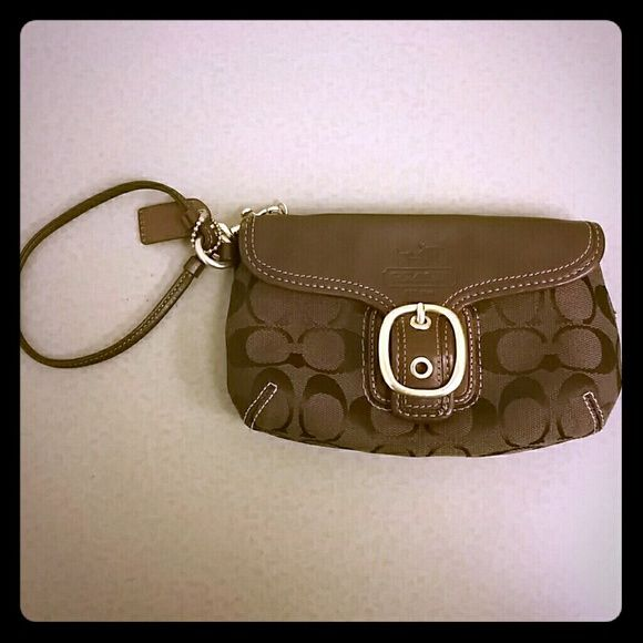 Coach Wristlet NWOT Brand new, never used Coach wristlet. In perfect condition. Coach Bags Clutches & Wristlets