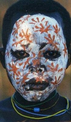 Painted reality, Omo valley Ethiopia, photo Hans Silvester