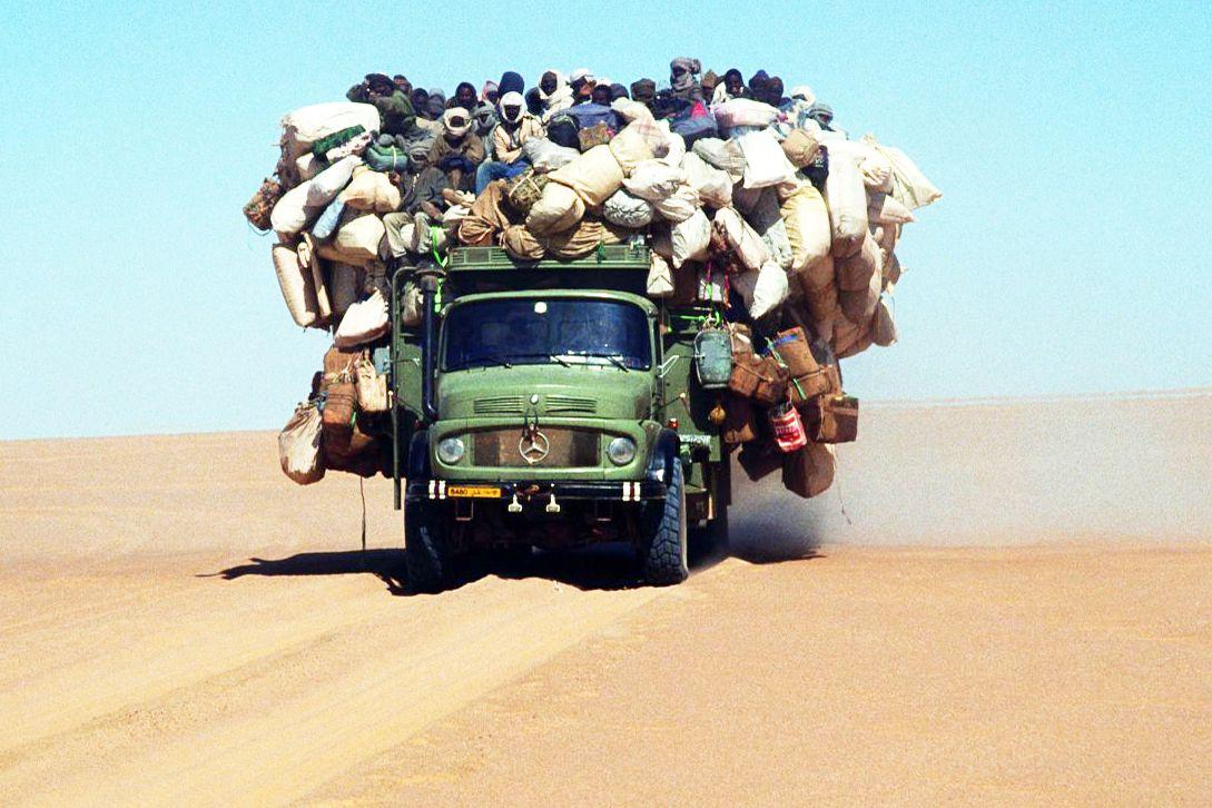 Mercedestruck in the desert Alte