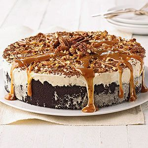 Torte Coffee-Mallow Torte Put together this delicious torte in minutes using purchased products. Who can resist the sweet tempting combination of chocolate cookies, marshmallow cream, ice cream, and pecans?Coffee-Mallow Torte Put together this delicious torte in minutes using purchased products. Who can resist the sweet temptin...