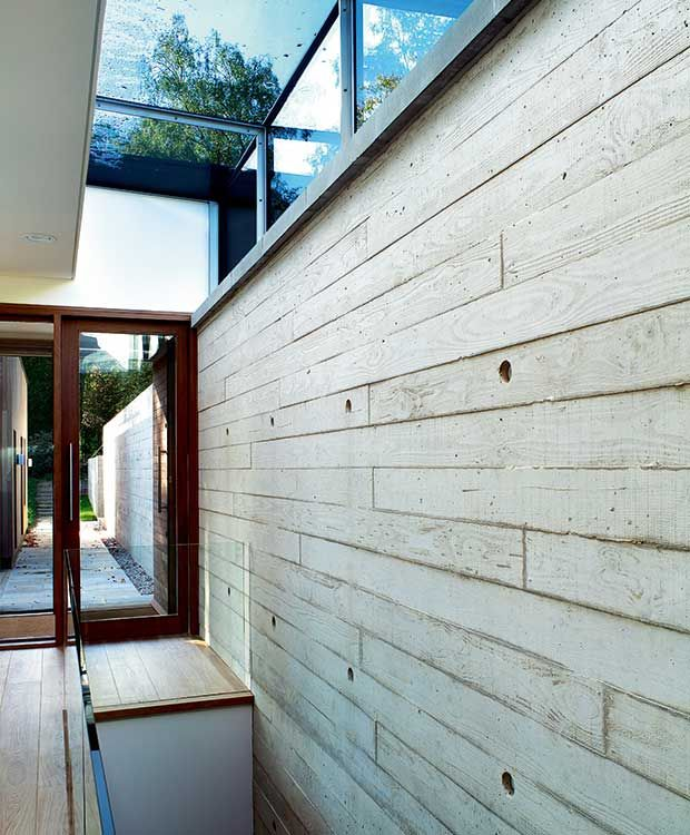 In-situ concrete wall cast in a timber frame | House - exposed ...