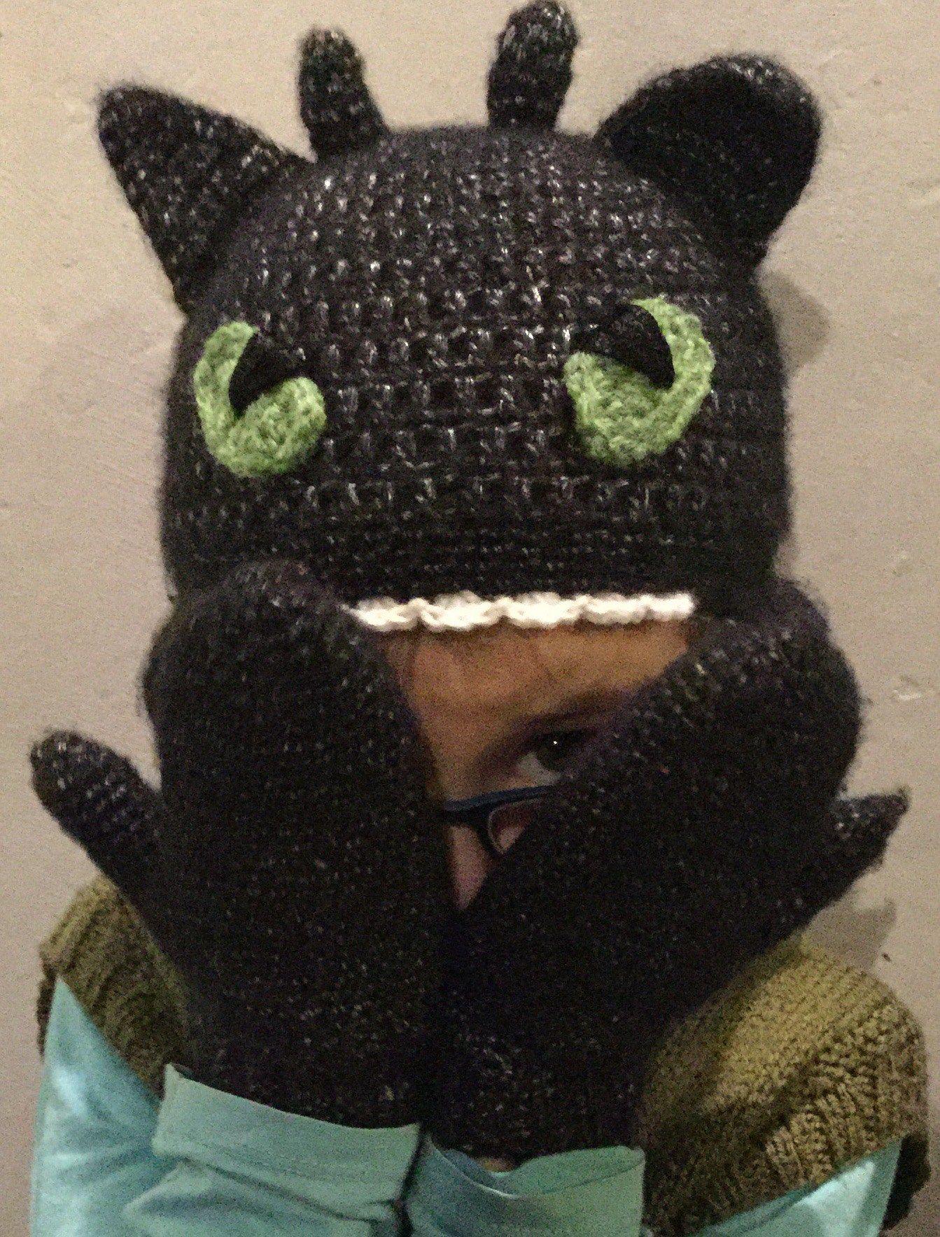 Toothless hat and gloves | Bichitos, DIY | Pinterest | Bichos