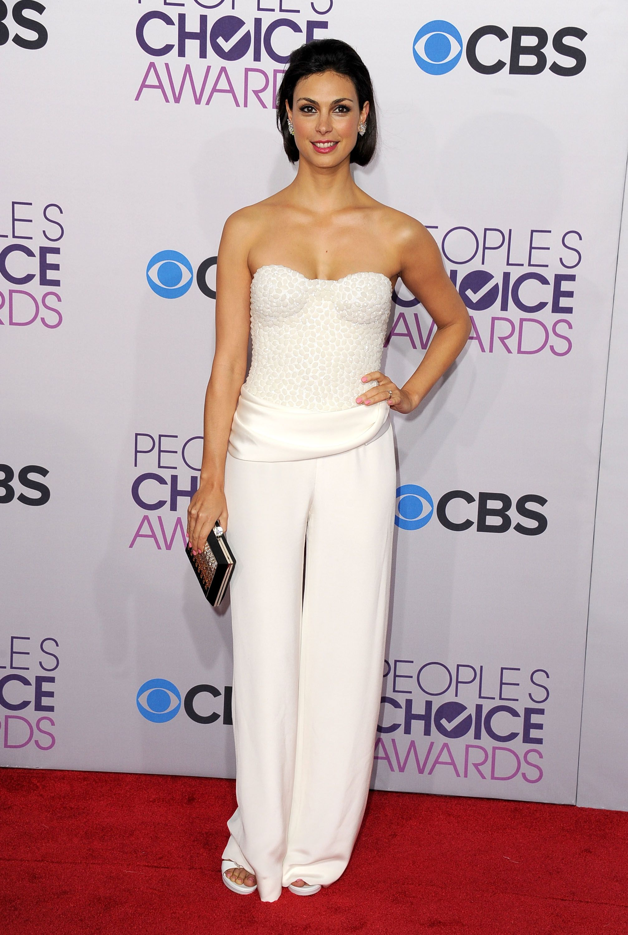 See All the Stars Arriving on the People's Choice Awards Red Carpet #whitepantsuit