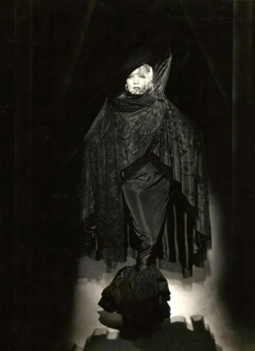 rantingsofamoderndayglamourgirl:Marlene Dietrich