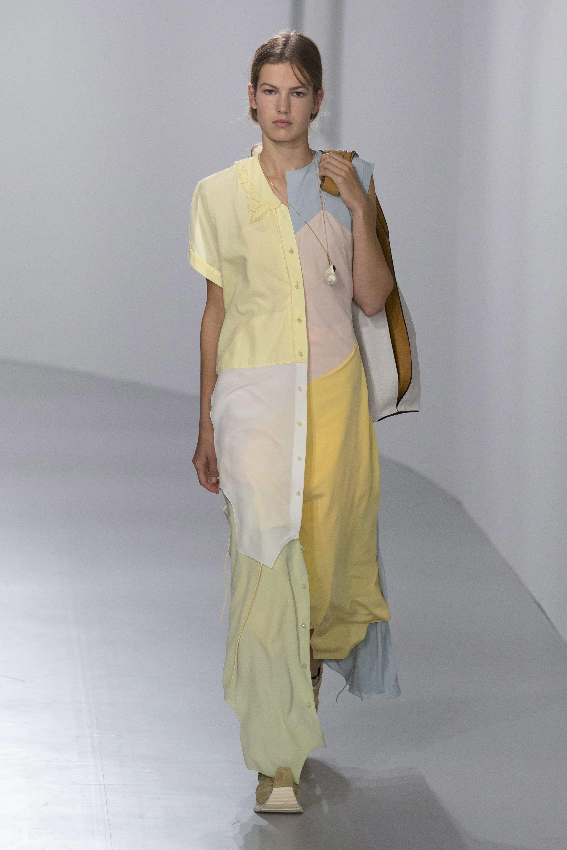 Loewe spring readytowear fashion show loewe spring and ss