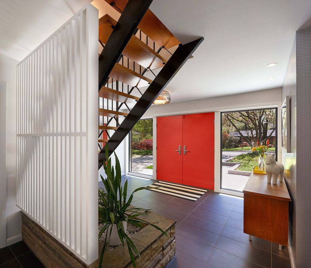 17 Captivating Mid Century Modern Entrance Designs That Simply Invite You Inside Mid Century Modern House Modern Foyer Modern Entrance