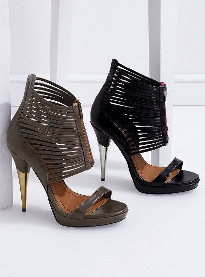 Colin Stuart's Front zip contrast sandal