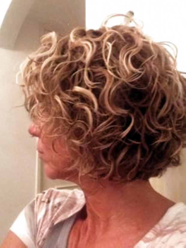 Pin By Berniece Kuhn On Hair In 2020 Curly Hair Styles Permed Hairstyles Curly Bob Hairstyles