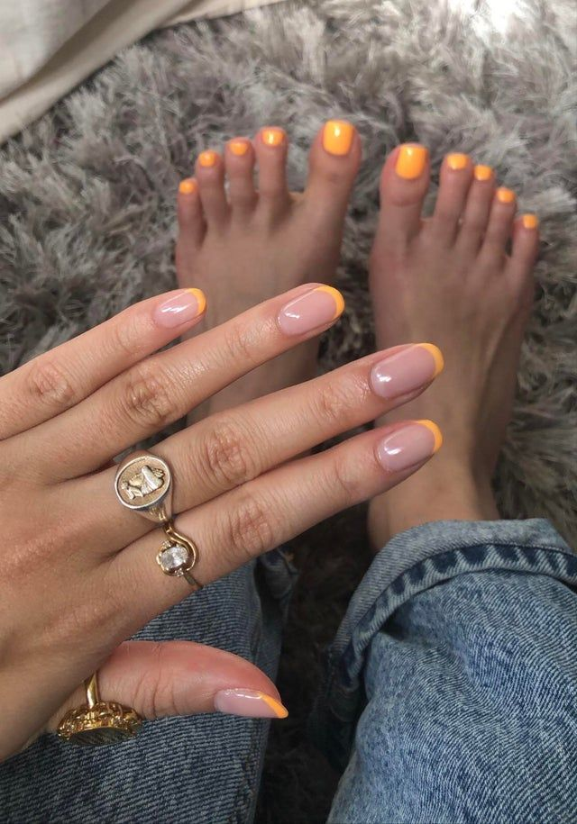 Oops I Did It Again This Time With Matching Toe Nails Tried To Shape My Nails Square From Round But They Weren In 2020 Gel Toe Nails Acrylic Toe Nails Acrylic Toes