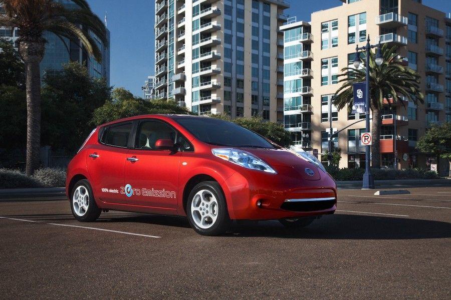 Nissan Leaf Nissan leaf, Hybrid car, Nissan