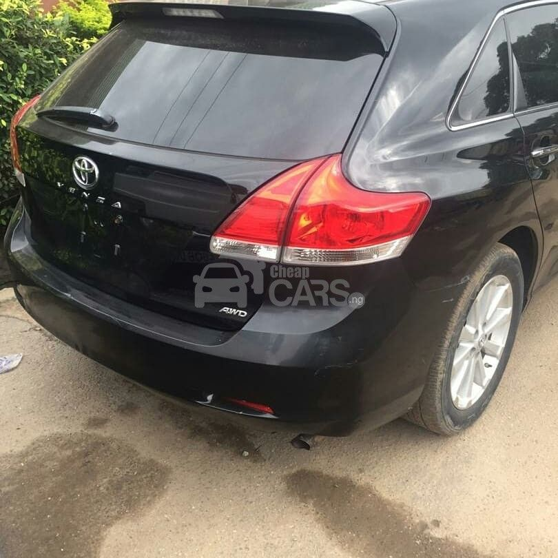 Looking to buy 2009 Toyota Venza? Click the link below