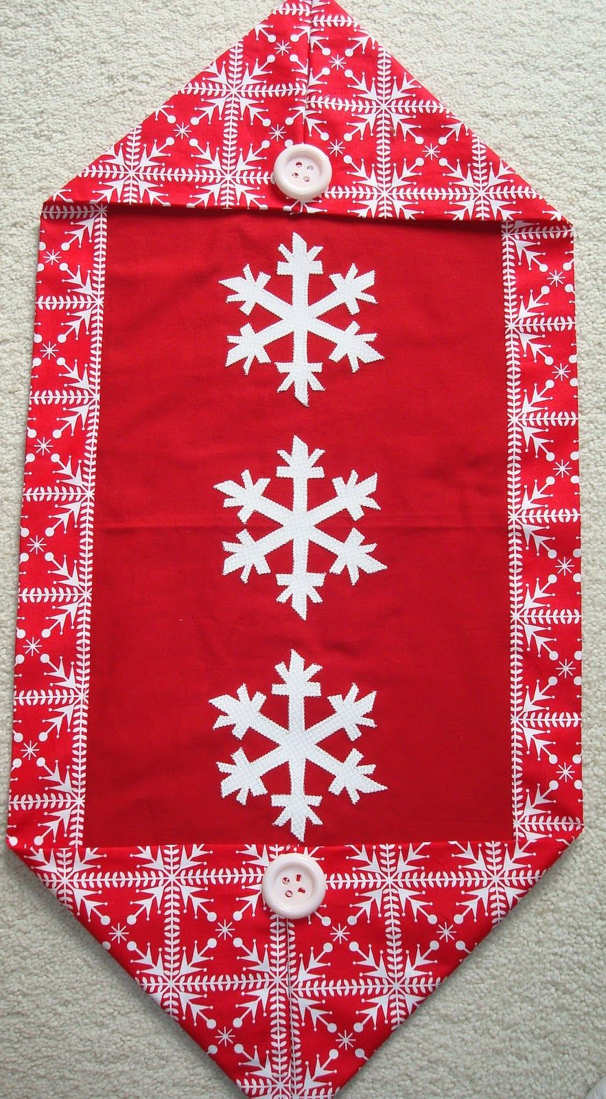 One Hour And Ten Minute Table Runner 10 Minute Table Runner Table Runner Pattern Christmas Table Runner Pattern