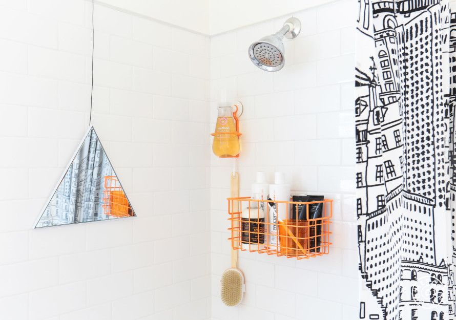Inspiration Roundup: Beautiful Bathrooms - Safe to say that most of us don't have the budget to renovate our bathroom whenever we get a bit bored of the decor. Accessories help you keep a space feeling fresh without having to call a contractor. - @Homepolish New York City