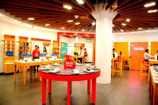 Vodafone Enhances Customer Experience with the Launch of its Global Design Store in Kanpur