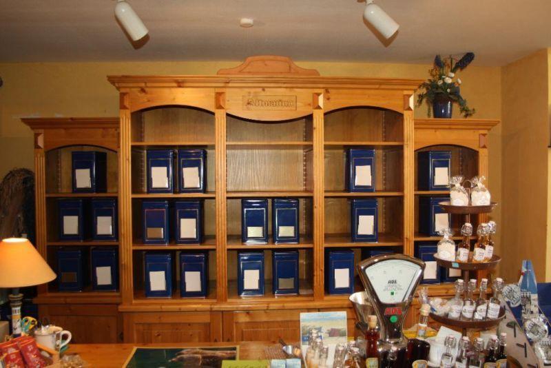 Tresen Regal aus Holz Ladeneinrichtung | Rustikales für zu Hause ...