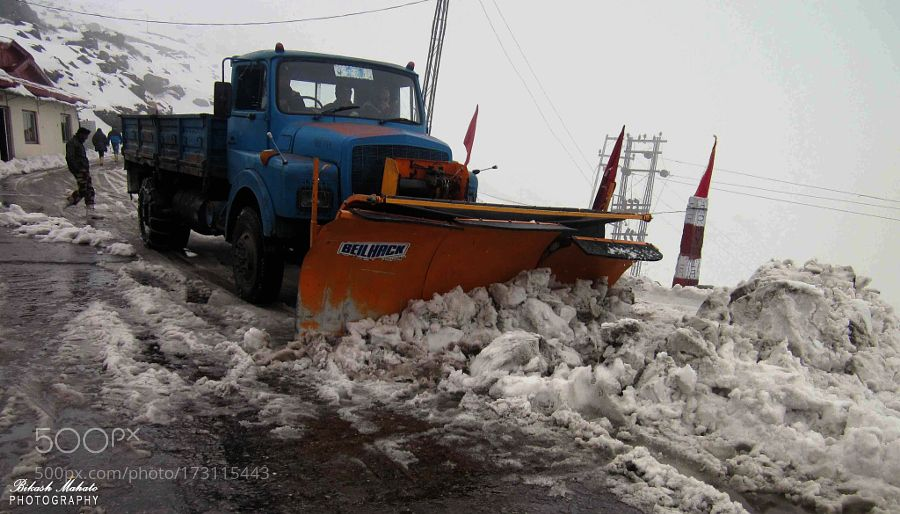 Snow Removing Vehicle at East Sikkim by Bikashmht
