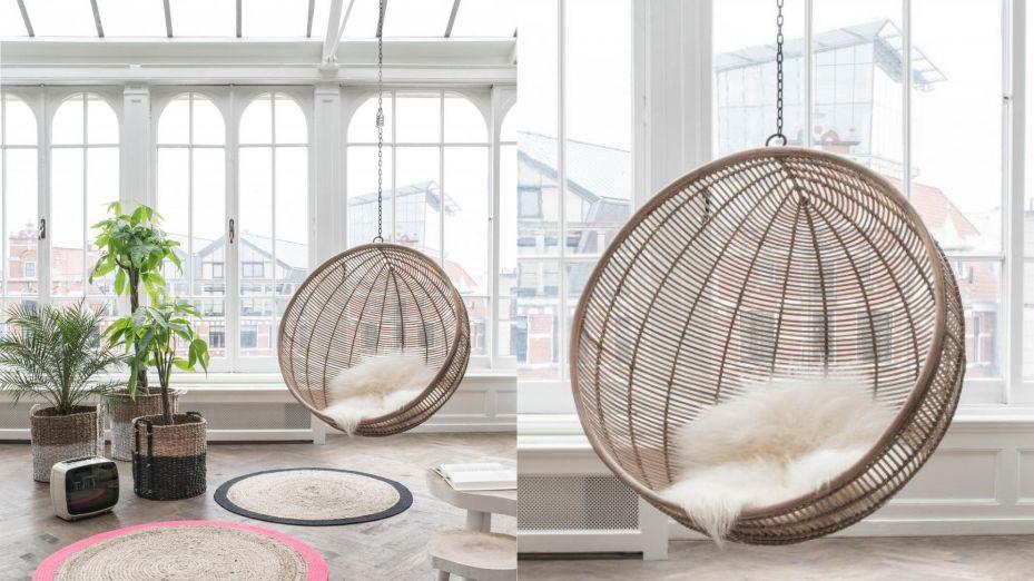 Afbeeldingsresultaat voor hangstoel doorzichtige bol interieur