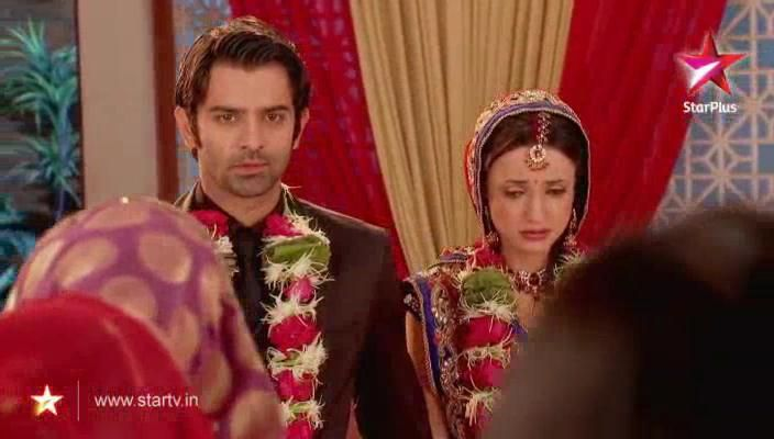 Khushi and arnav scenes before marriage