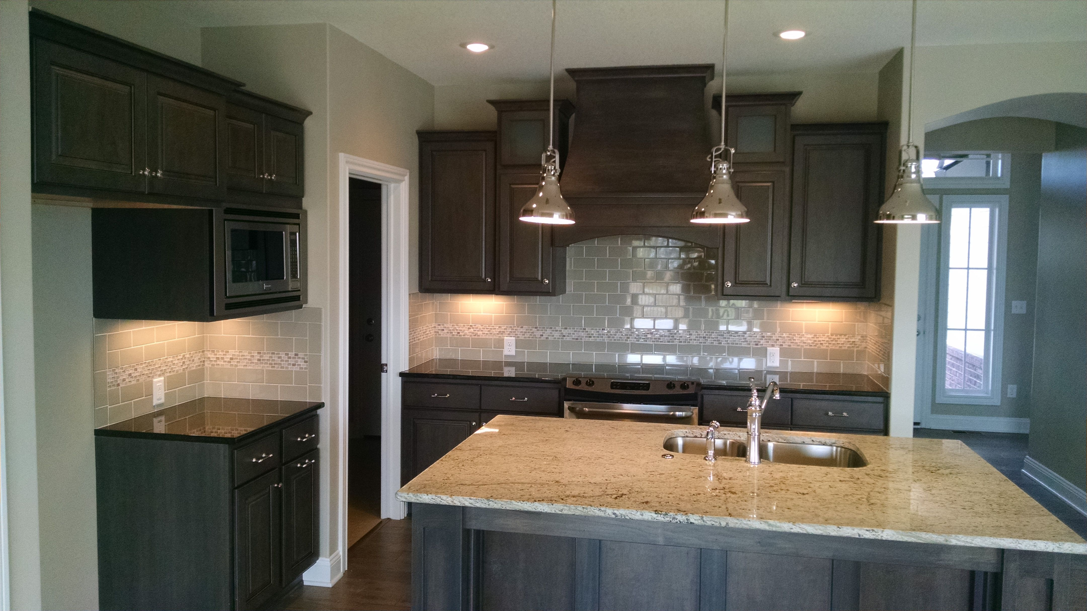 Another Great Look With Stacked Cabinets This Time With A Frosted Glass That Looks Sharp With The Dark Stain This Particular Kitch Kitchen New Kitchen Cabinet