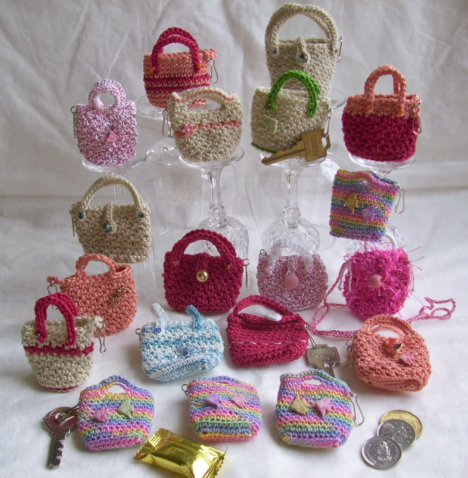 Crocheted Mini Purses   Geschenkidee   Pinterest   Häkeln, Körbchen ...