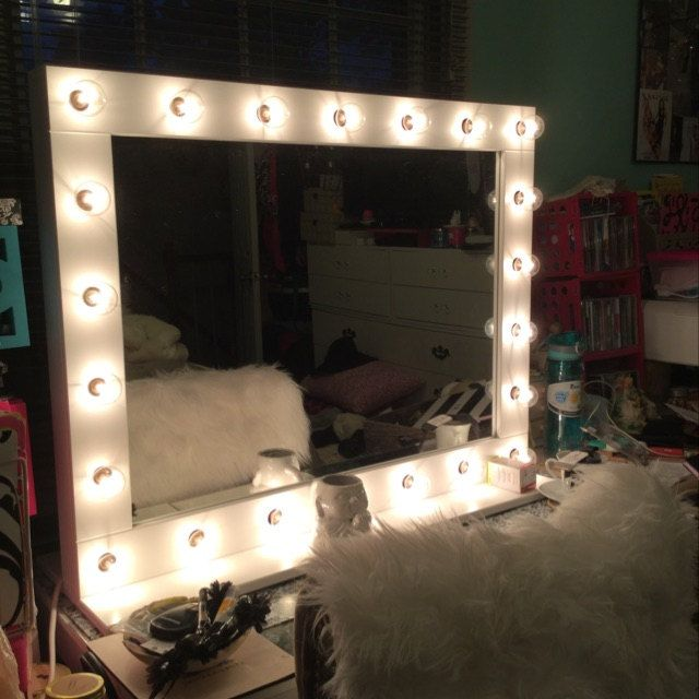 Best Xl Hollywood Lighted Vanity Mirror Makeup Mirror With 400 x 300