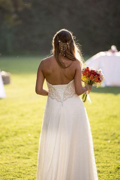 Espectaculares peinados de novia con pelo suelto. ¡Triunfa con naturalidad! Image: 23