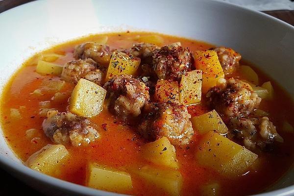 Sulu Köfte - Türkischer Eintopf mit Hackbällchen und Kartoffeln von Choco95 | Chefkoch