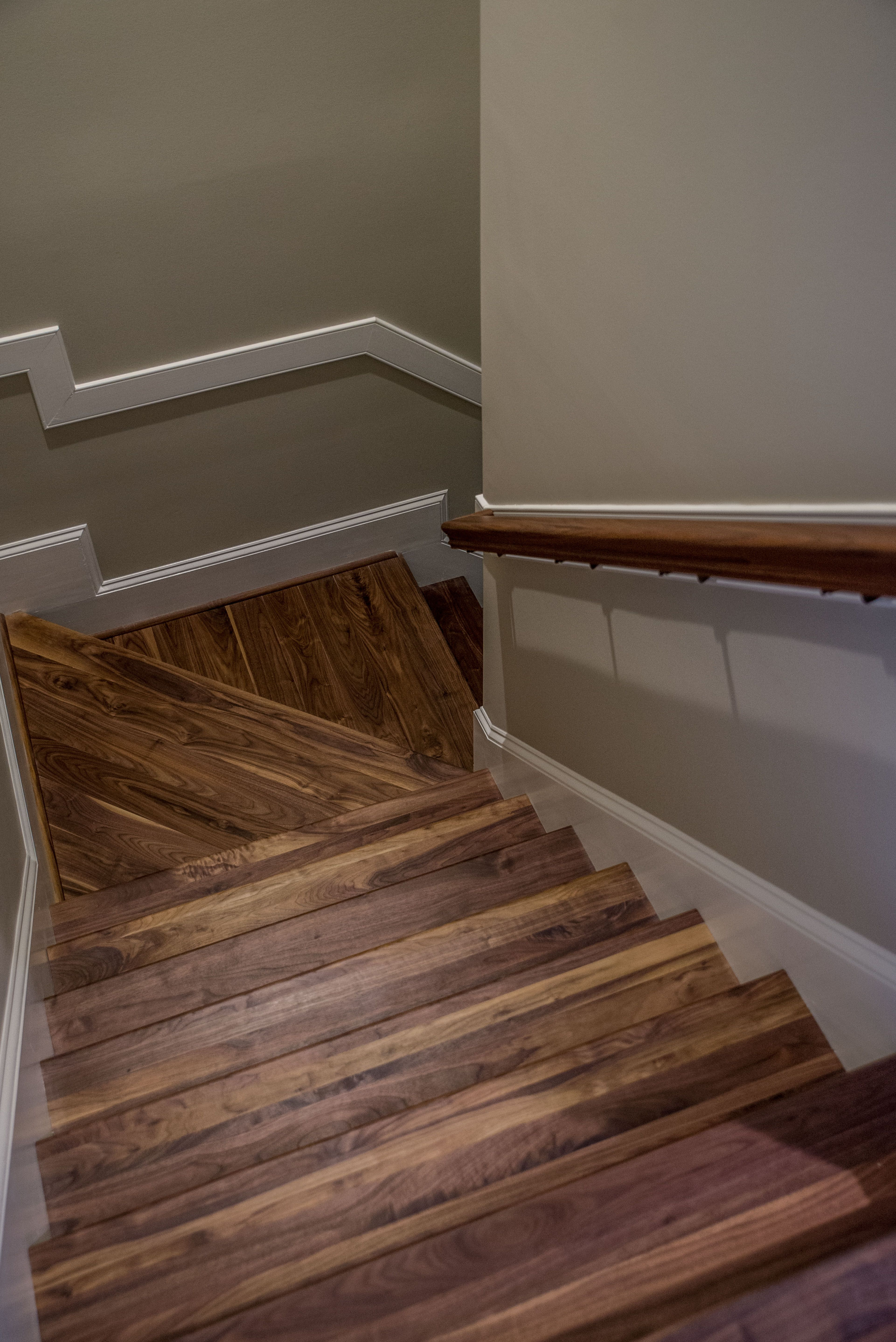 Best Walnut Stair Treads And Hand Rail Prefinished With Oil 640 x 480