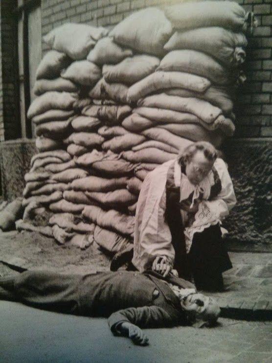 1946. Bárdossy László volt háborús miniszterelnök kivégzése a Markóban. Rendkívül nagy tudású, elképesztő műveltségű ember volt. Bekötetlen szemmel állt a kivégzői elé..jpg