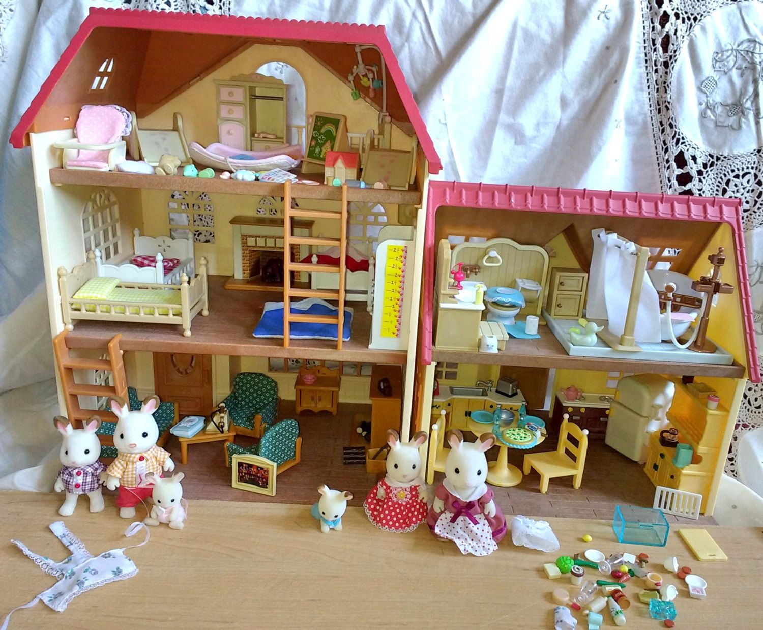 Vintage mapletown sylvanian families house and furniture w few figures calico critters by suburbantreasure on etsy
