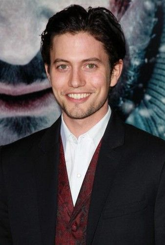 WOW! Jackson looks hot in a suit!