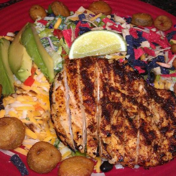 southwest grilled chicken salad red robin gourmet burgers