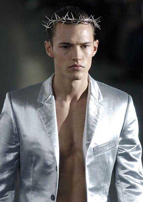 Alexander McQueen f/w 2005 menswear
