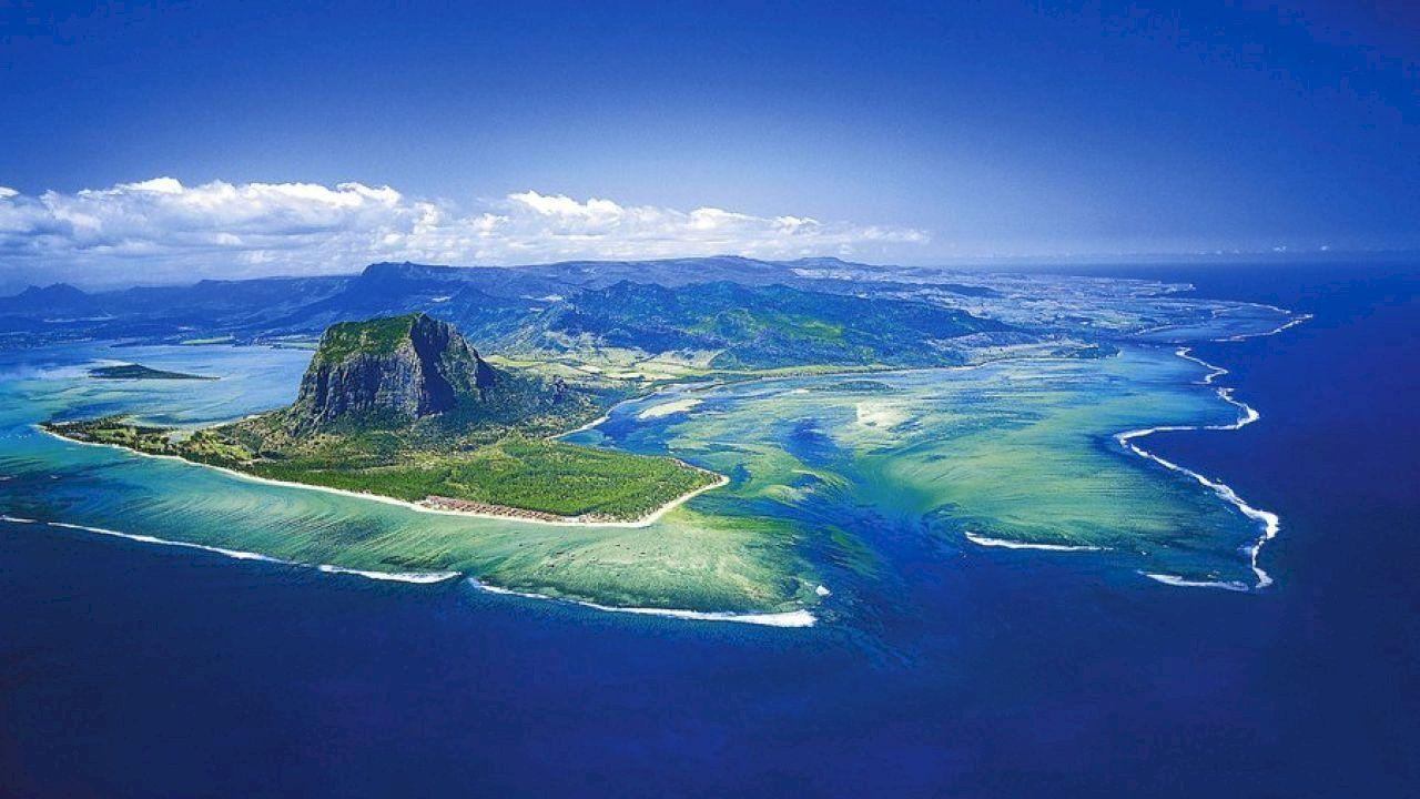 أين تقع جزر الموريشيوس Cool Places To Visit Mauritius Island Mauritius Resorts