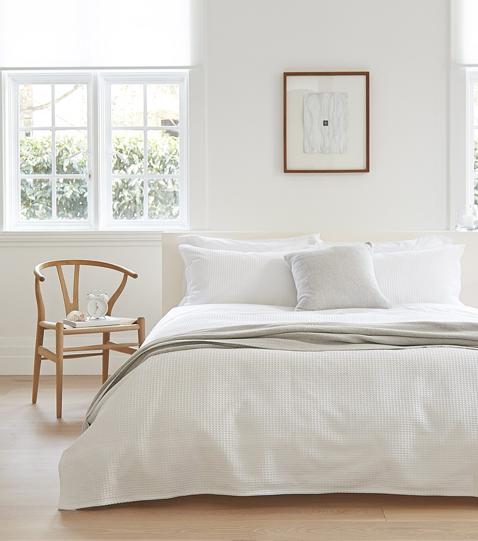 インテリア北欧ベッドルームのコーディネート例 | ベッド ...