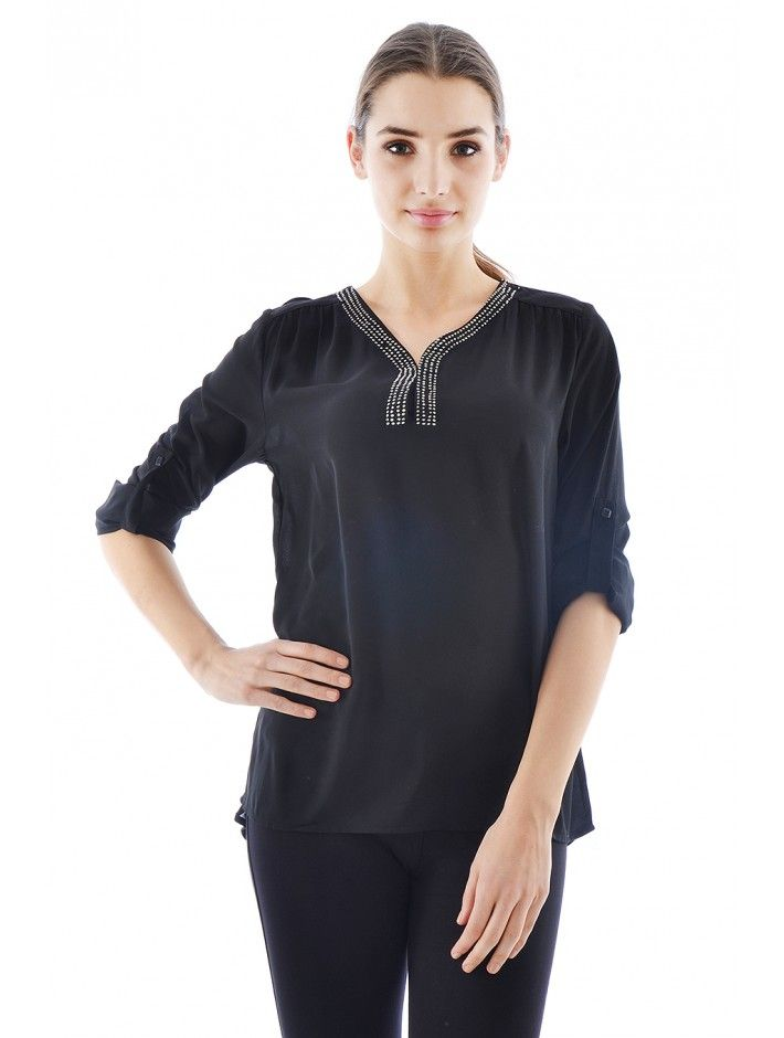 d24ee02cf1 Štýlová dámska blúzka v trendovom dizajne a strihu. Blúzka Indiana je z  pohodlného a príjemného materiálu - skvelá voľba do každého dámskeho  šatníku.