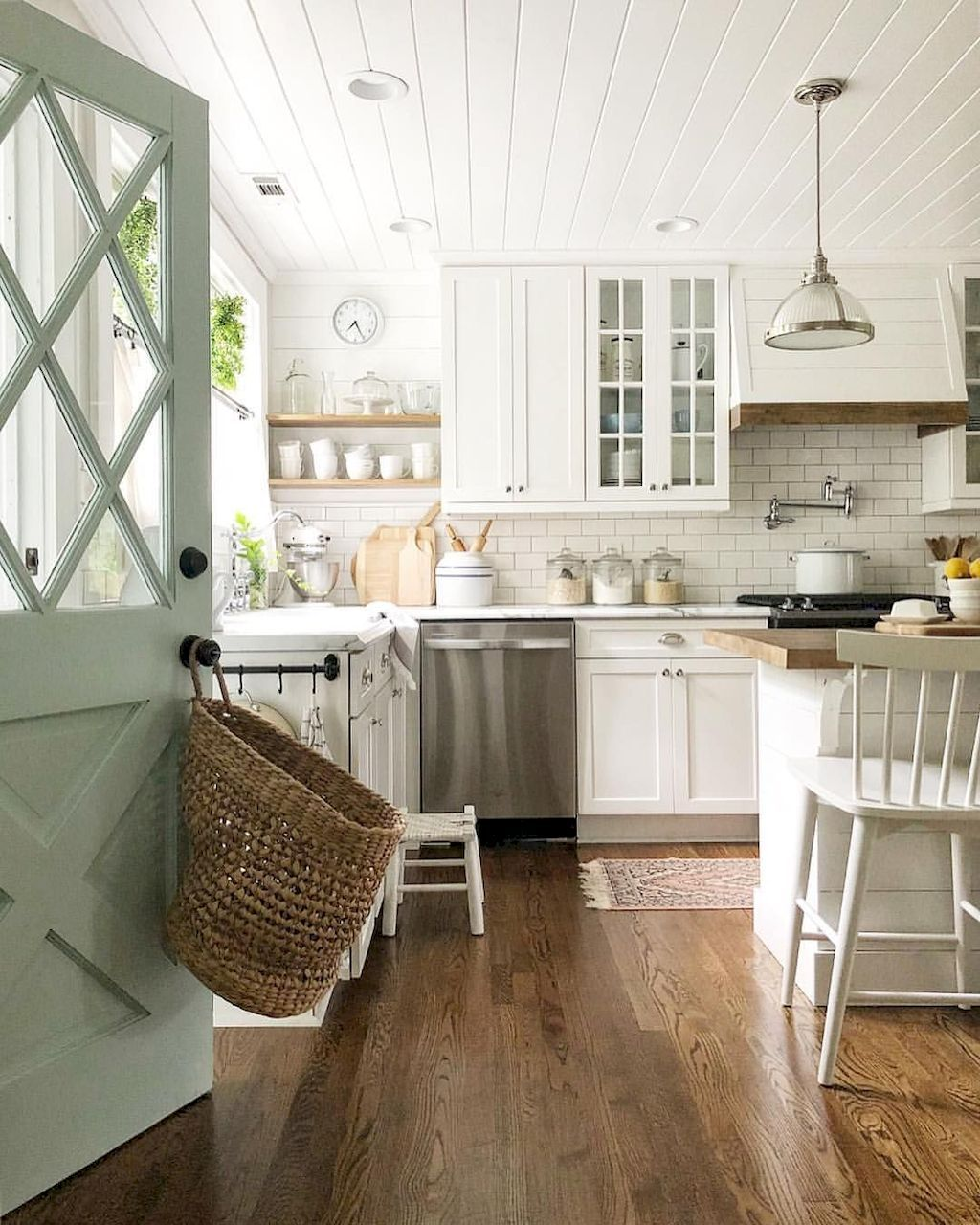 17 Rustic Farmhouse Kitchen Decorating Ideas  Cuisines maison