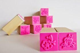 Liefhebberen: Bloemenstempels en gekleurde inkt