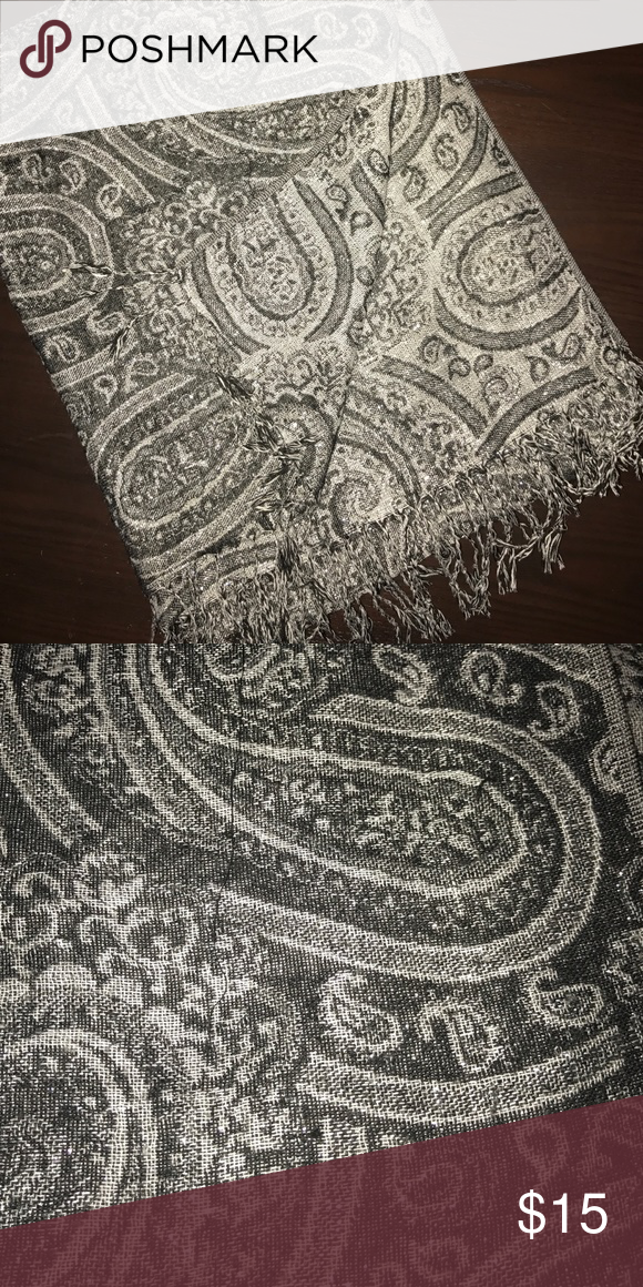 Scarf Used, great condition. Beautiful shimmer throughout the scarf Accessories Scarves & Wraps