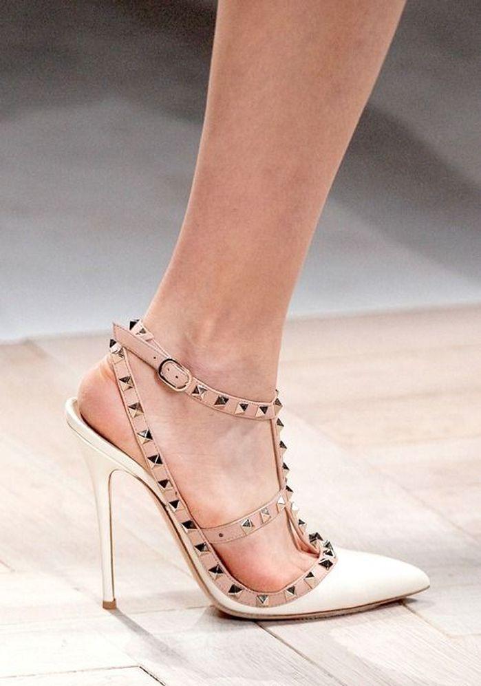 e0c8391de7c VALENTINO Valentino Garavani  Rockstud  pumps - Shoes Post