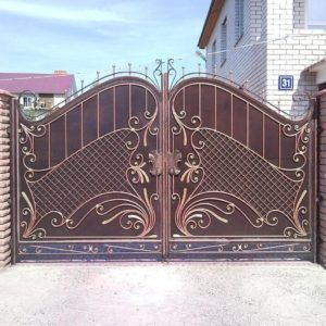 Exciting Design Of Main Gate Of Home Made Of Iron And