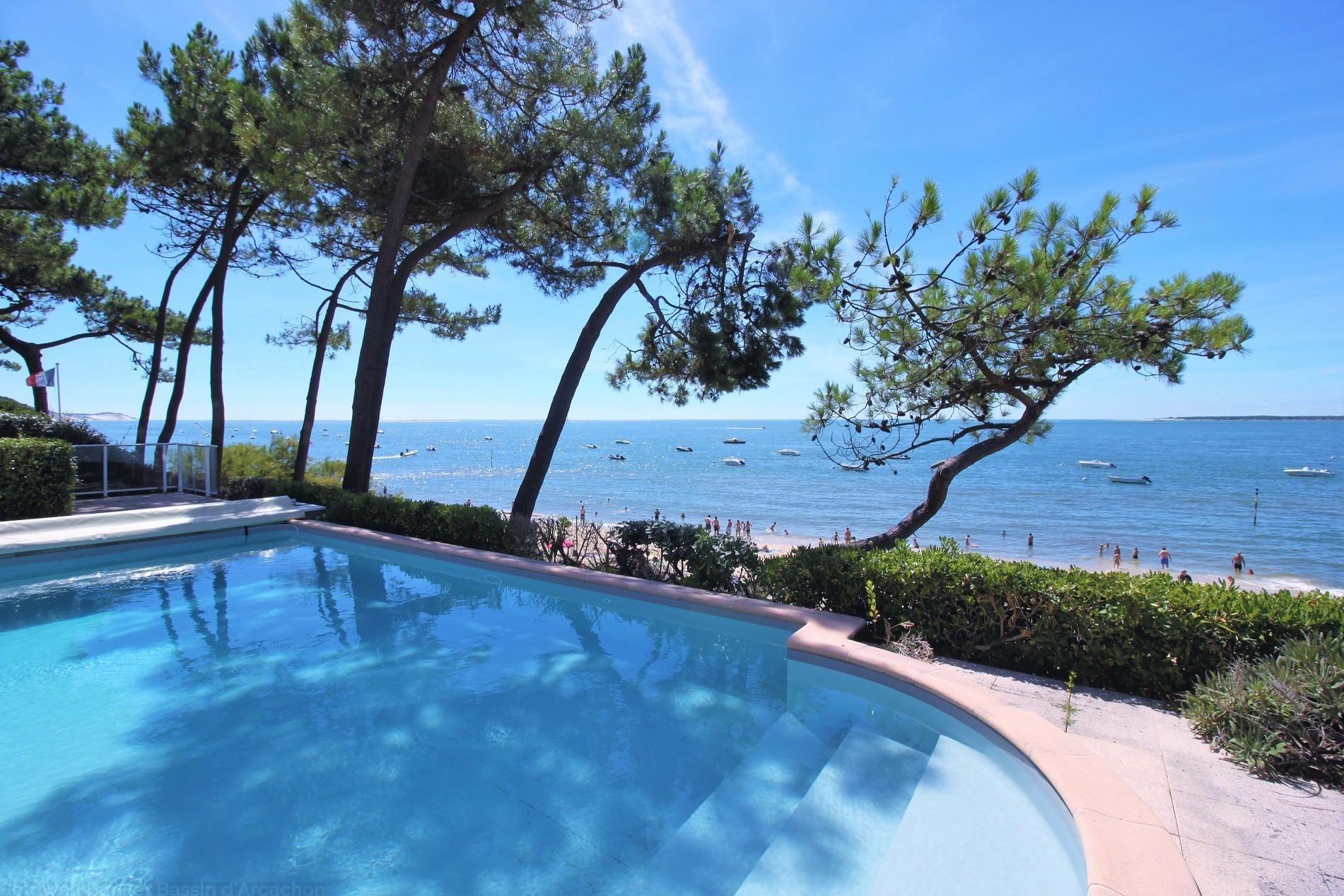 Vente Villa Esprit Paquebot Pyla Sur Mer Avec Vue Panoramique Sur Bassin  Arcachon Immobilier De Luxe