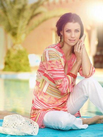 Manuella contrebande model agency