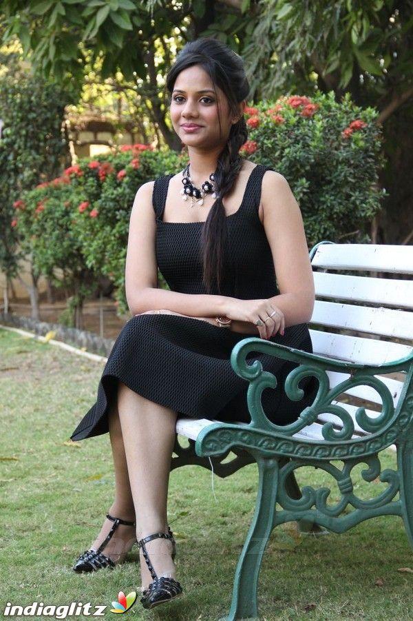 Aishwarya Dutta Photos Tamil Actress photos, images