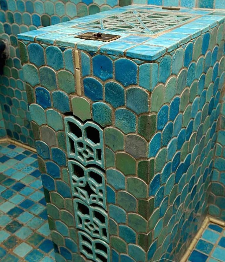 Pewabic Pottery Founder S Grosse Pointe Estate Wants 775k Curbed Detroit Pewabic Pottery Stained Glass Mosaic Tile Pottery