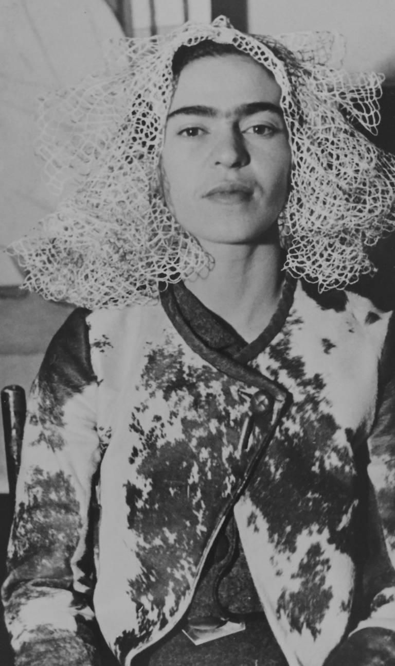 Lucienne Bloch Frida Kahlo With Doily On Her Head With Images