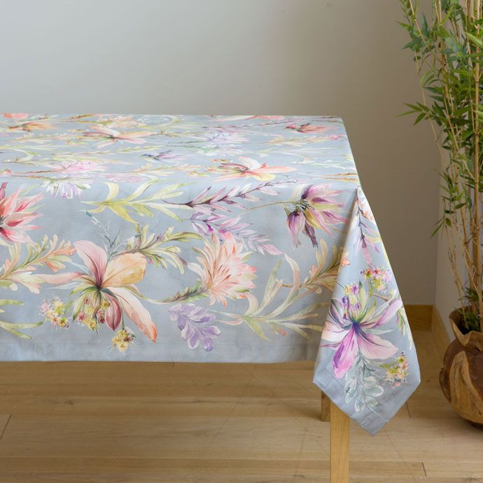 Great Flower Print Tablecloth (Easy Care)