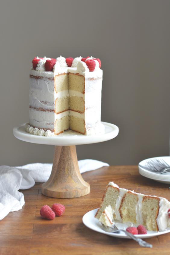 Vanilla Bean Cake With Vanilla Bean Frosting In 2020 Vanilla Bean Cakes Vanilla Bean Frosting Cake